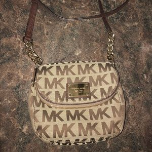 Mk Brown crossbody purse in great condition
